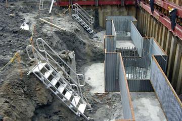 盛土工事の落差の昇降設備として使用